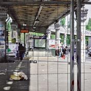 Paris: les grilles antimigrants font polémique