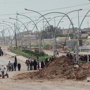 À Mossoul, les civils tentent de fuir d'un quartier à l'autre Daech et la guerre