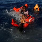 Spectaculaire sauvetage de 134 migrants au large de la Libye