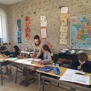 Déçus par l'Éducation nationale, ils créent une école chez les moines