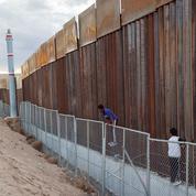 Donald Trump prêt à reporter le financement du mur avec le Mexique