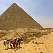 Procès des Égyptiens complices des pilleurs de la pyramide de Khéops