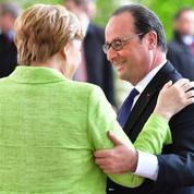De l'accueil glacial aux adieux chaleureux, la complexe relation Merkel-Hollande s'est achevée