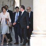 Hollande applaudi à l'issue d'un dernier Conseil des ministres «très fraternel»