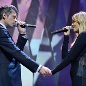 Cannes 2017 : Biolay et Louane chantent Nougaro à la cérémonie d'ouverture