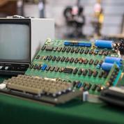 Cet ordinateur est un Apple-I, il a été vendu 110.000 euros