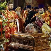 Une relique de Saint Nicolas suscite la ferveur en Russie