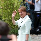 Royal en veut à Macron de ne l'avoir prévenue qu'«au dernier moment»