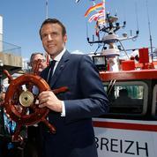 Affaire Ferrand : pendant que la polémique enfle, Macron prend le large en Bretagne