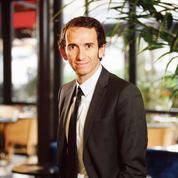 Les défis d'Alexandre Bompard pour reprendre en main Carrefour