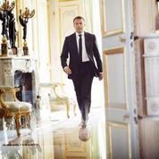 Comment Emmanuel Macron bouscule les traditions à l'Élysée