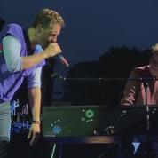 Coldplay invite un fan à l'accompagner sur scène