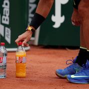 Les neuf tics systématiques de Rafael Nadal sur le court