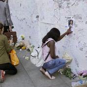 Plus de 30 morts et des dizaines de disparus après l'incendie de la tour Grenfell à Londres