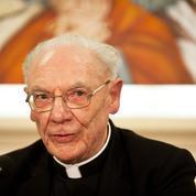Cardinal Poupard: «Les catholiques français ne sont pas hors jeu de la politique»