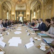 Macron installe le nouveau gouvernement dans la durée