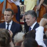 En visite en France, le président colombien veut présenter une image apaisée