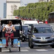 À Paris, la bataille des vélos-taxis est lancée