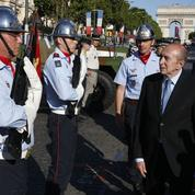 Gérard Collomb au chevet des pompiers