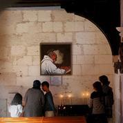 Le 26juillet 2016, après l'homélie, deux hommes entrent dans l'église de Saint-Étienne-du-Rouvray