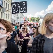 Un millier de Russes manifestent à Moscou contre la censure sur Internet