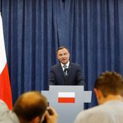 Pologne: le président freine la fuite en avant de son parti