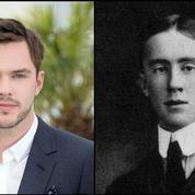 Nicolas Hoult pourrait interpréter J.R.R. Tolkien dans un biopic