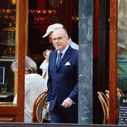 Bernard Cazeneuve enfile à nouveau la robe d'avocat