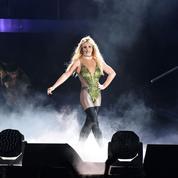 Britney Spears: un «fou furieux» monte sur scène pendant son concert