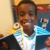 Kevin, l'enfant autiste, a reçu son maillot de l'OM dédicacé par les joueurs