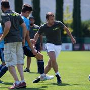 Quand Emmanuel Macron dispute un match contre des joueurs de l'OM