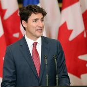 De la cravate au legging estampillé, la Trudeaumania prospère au Canada
