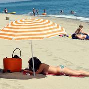 Sur les plages, le monokini n'a plus la cote