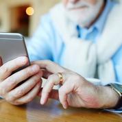 Les seniors se mettent peu à peu au smartphone