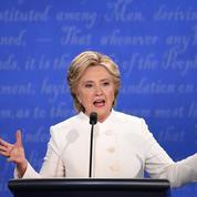 «Reculez sale type»: Hillary Clinton accable Donald Trump dans un livre
