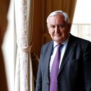Jean-Pierre Raffarin : «Nous mettons la politique de Macron en observation»