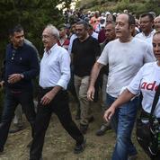 Les anti-Erdogan dénoncent sa dérive autoritaire
