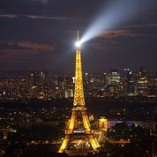 Tour Eiffel : son phare éteint jusqu'au 10 octobre