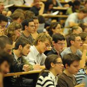 Sélection à l'université : Macron veut en finir avec le tirage au sort