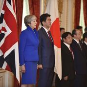 Theresa May en opération séduction à Tokyo