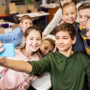 Les portables pourraient être déposés dans des casiers à l'entrée des classes