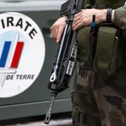 Un militaire attaqué à Paris par un homme armé d'un couteau