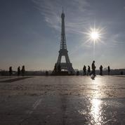 Les riverains accusent la Mairie de Paris de délaisser le Champ-de-Mars