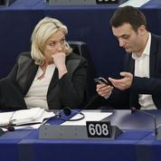 Crise au FN : Le Pen et Philippot s'écharpent par médias interposés