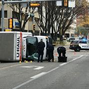 Attaque terroriste au Canada : un homme poignarde un policier et renverse des piétons