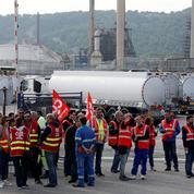 Loi travail: les routiers menacent de bloquer les routes