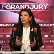 Anne Hidalgo s'oppose timidement à Emmanuel Macron