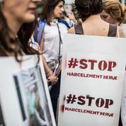 Sondage: plus d'une Française sur deux dit avoir été harcelée sexuellement