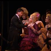 Une prime au string et au cache-tétons au Metropolitan Opera de New York
