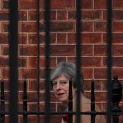 En panique, Theresa May inscrit l'heure du Brexit dans la loi